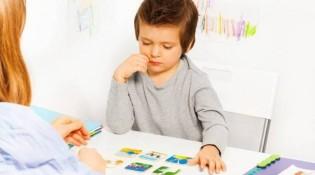otizmde konuşma